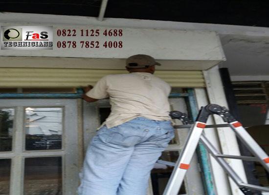 Service Rolling Door Cafe